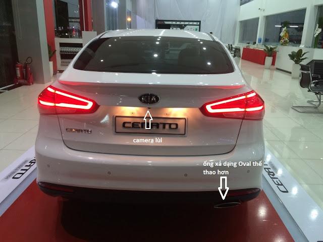 Phần đuôi xe Kia Cerato 2017