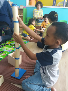 belajar membuat struktur montessori