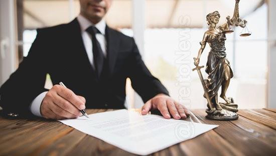 contrato servicos advocaticios estipular penalidade unilateral