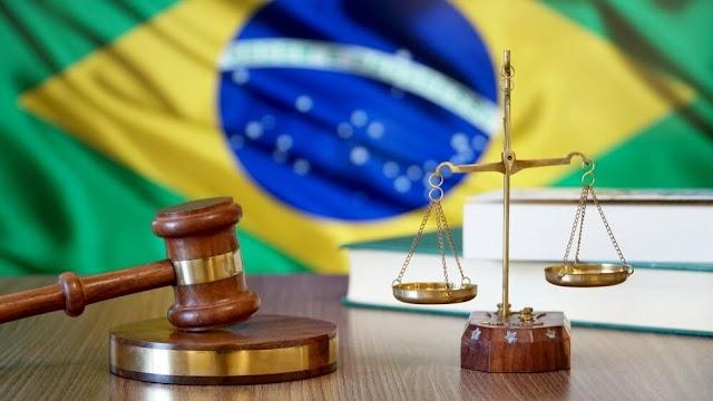 Servil do Estado e da Política Brasileira