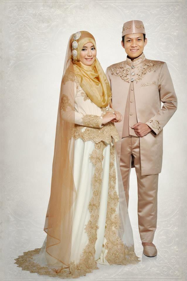 30 Contoh Kebaya Pasangan Pengantin Muslim Serasi