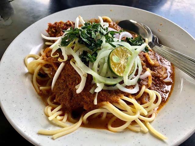 Laksa Johor Sedap Di Kedai Makan Mak Long Besah