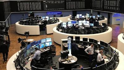 الأسهم الأوروبية تتراجع بشكل طفيف في نهاية الأسبوع