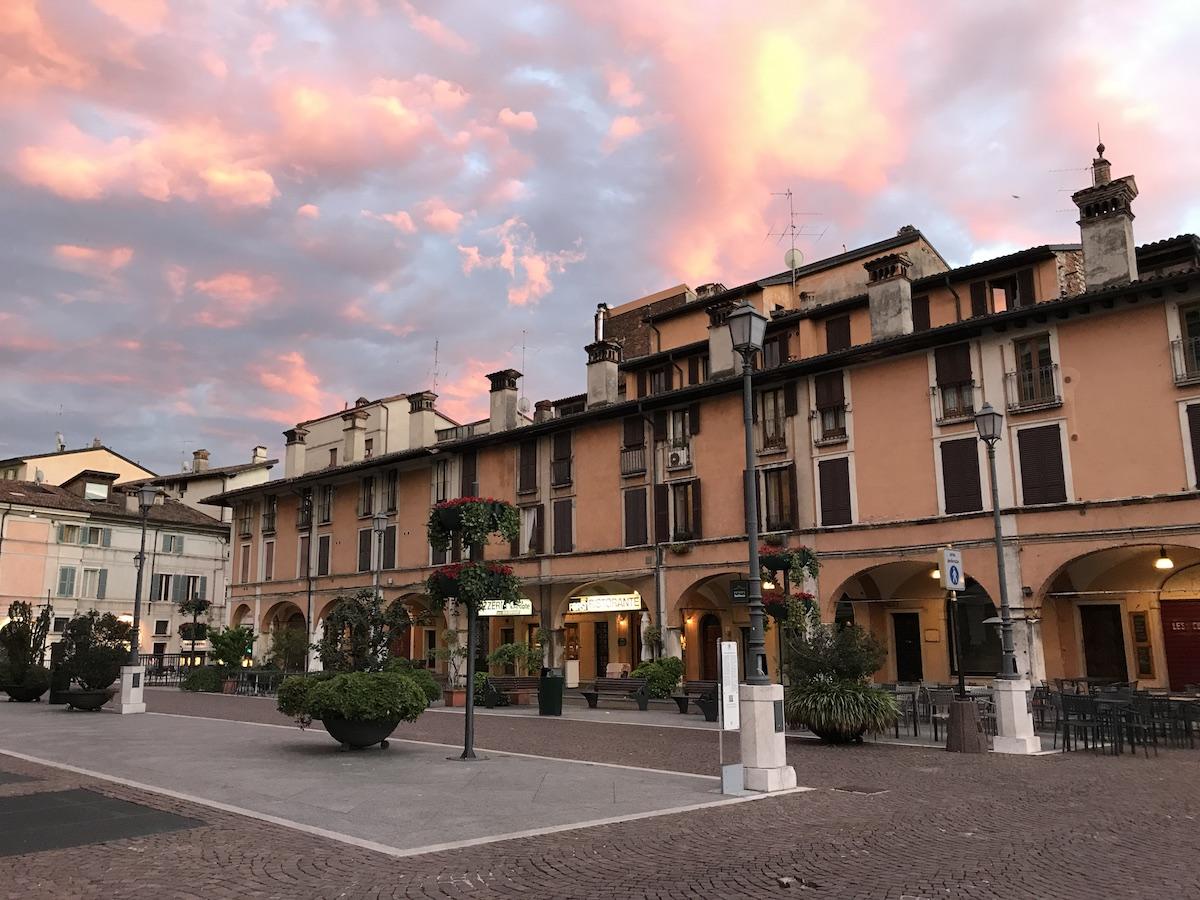 Piazza del Mercato, Brescia, Pohjois-Italia