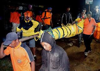 Awas Bahaya! Petir di Puncak Gunung Menelan 11 Korban