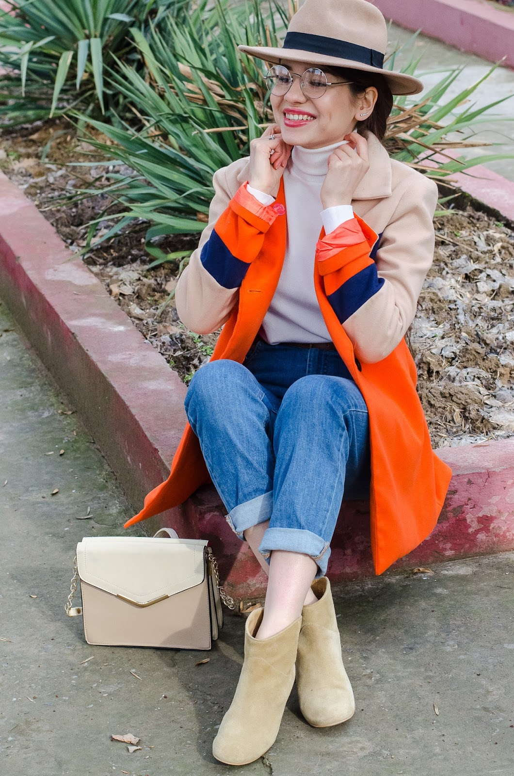fashion blogger diyorasnotes mom jeans orange coat colorblock uncle boots 25 - COLOR BLOCKING OUTFIT