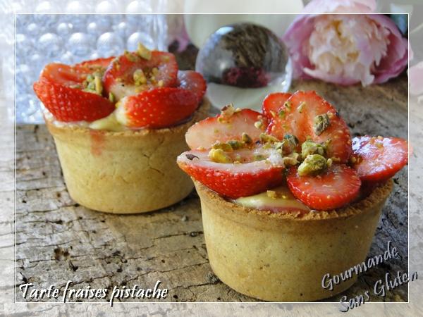 Tarte aux fraises, frangipane pistache, crème fraises et pistaches