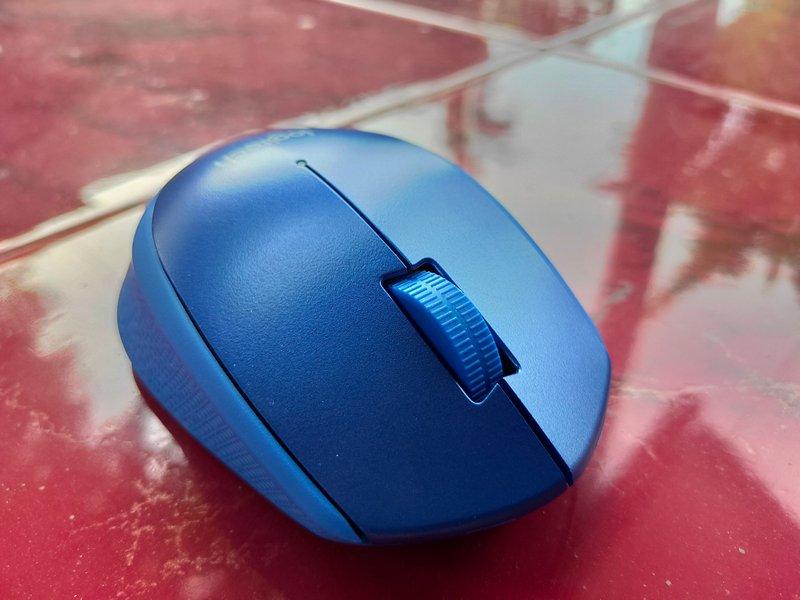 Desain Logitech M331 Silent Plus