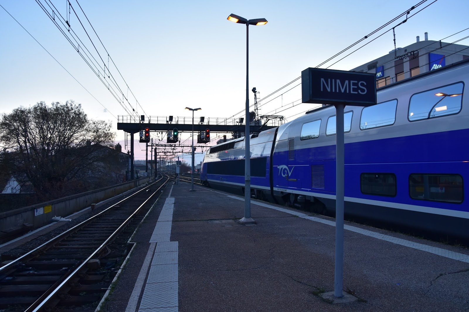 trains and other things paris to barcelona by tgv 2n2 part 2. Black Bedroom Furniture Sets. Home Design Ideas