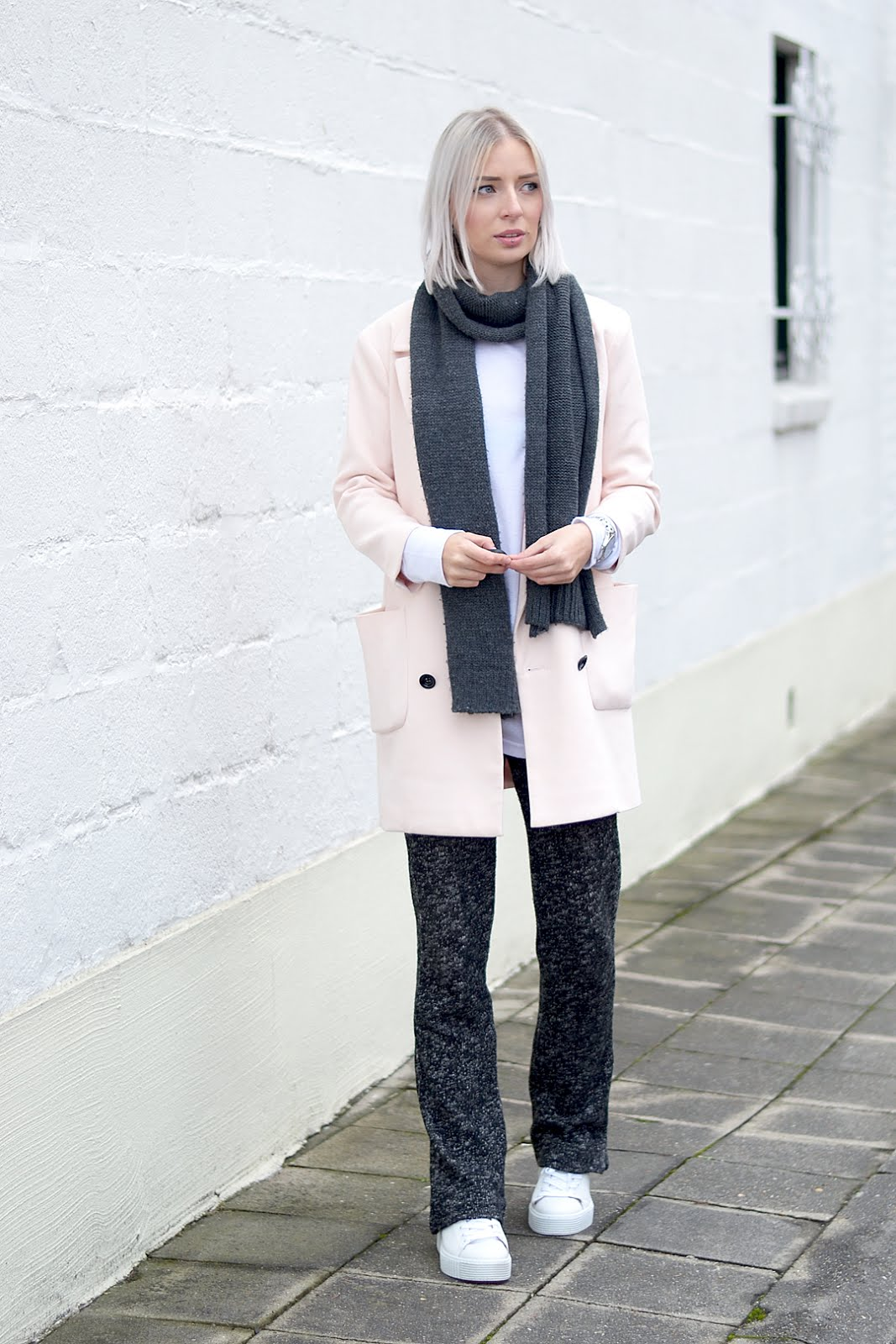 Pink blazer, knitted trousers, tango, creepers, bent merkschoenen, outfit