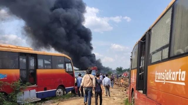Transjakarta Bantah Puluhan Bus yang Terbakar di Bogor Miliknya, Lalu Punya Siapa?
