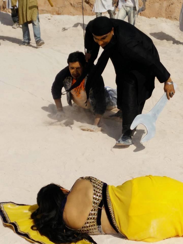 Dinesh Lal Yadav 'Nirahua', Awadhesh Mishra Figh Pics