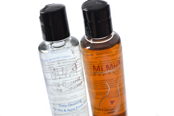 Mi Mia feminine intimate wash and oil control cleaner