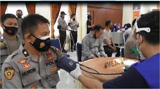 100 Personil Polres Pangkep Jalani Vaksinasi COVID-19