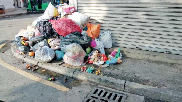 Retim a început  campania de curătenie de toamnă. Se colectează obiecte de uz casnic,deşeuri vegetale şi deșeuri de echipamemnte electrice și electronice