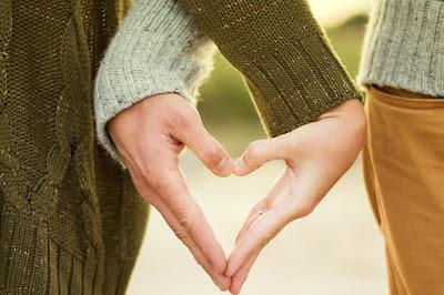 Hukum Istri Memakai Lingerie Di Hadapan Suami