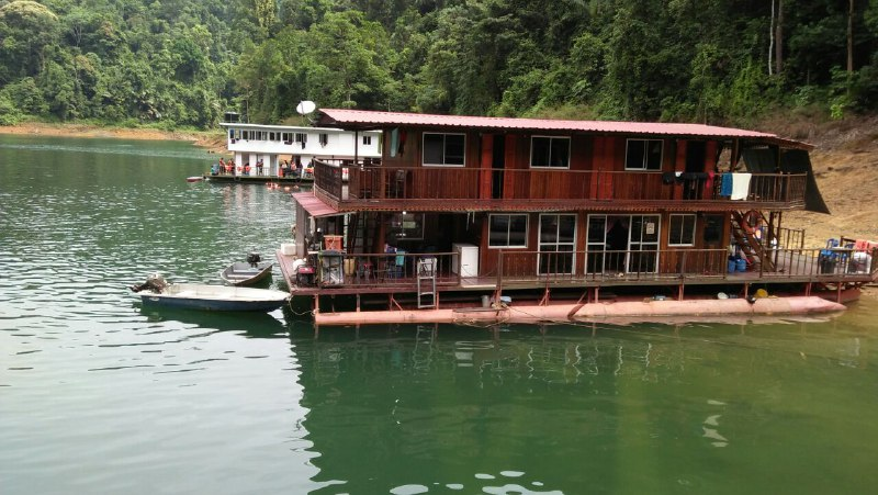 buyong houseboat tasik kenyir, air terjun lasir, taman herba tasik kenyir, aktiviti riadah