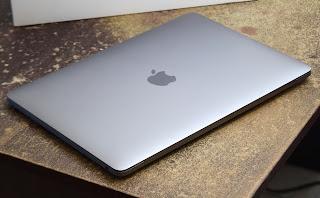 Jual MacBook Pro Retina 2020 Core i5 (13-Inch) Fullset