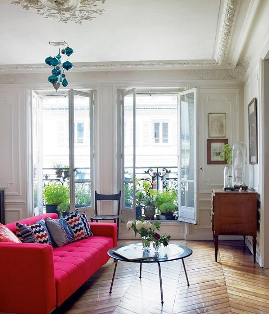 Old Apartment: Old Apartment In Paris With Modern Flair