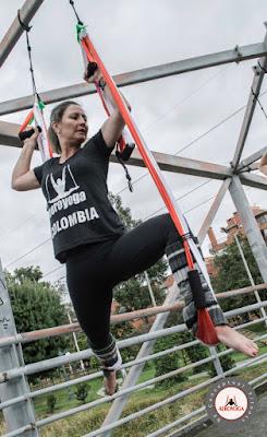 formación yoga aéreo, ejercicio yoga aéreo, yoga aéreo colombia, aero yoga colombia, aero pilates colombia, air yoga, fly yoga, flying yoga, yoga aéreo españa, aerial yoga brasil, aeropilates brasil