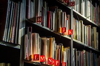 administrasi perpustakaan