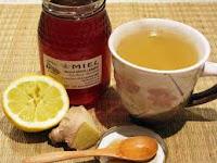 Té de jengibre, limón y miel. Calienta y cura