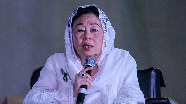 Sinta Nuriyah: Perempuan Muslim Tak Wajib Berjilbab