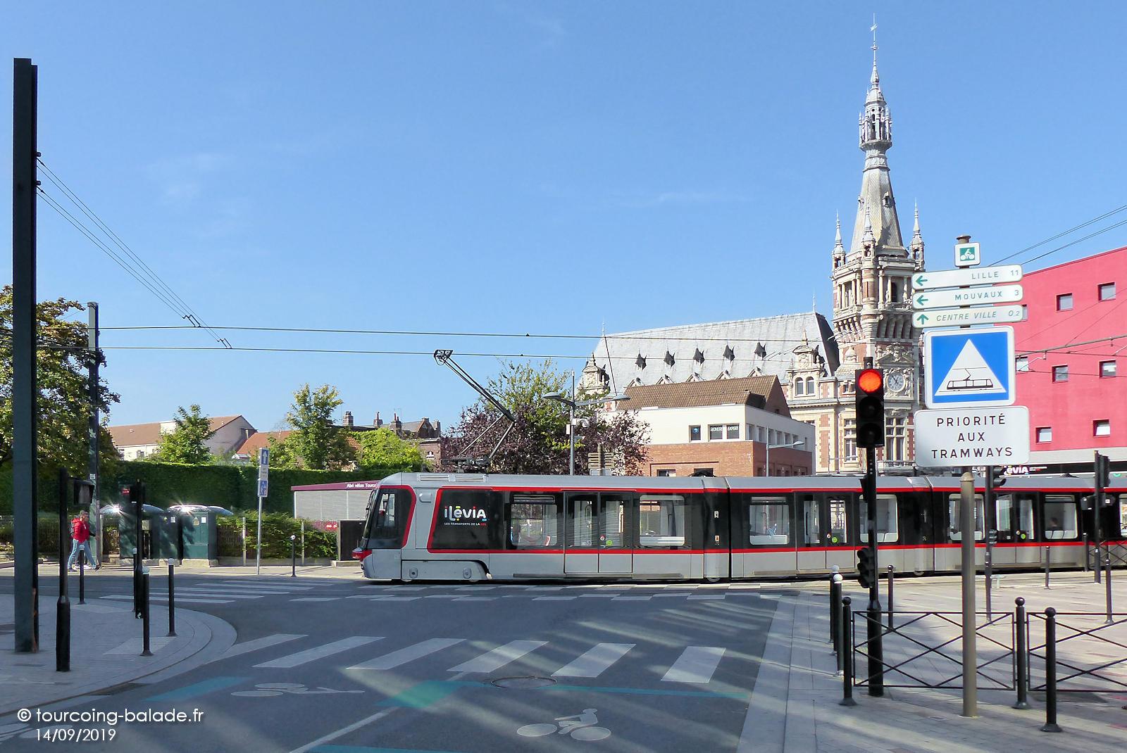 Terminus Tramway Tourcoing - Beffroi.