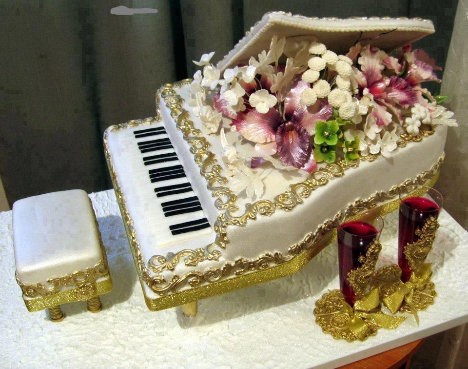 Original Birthday Cake Of A Piano With Flowers ツ Happy