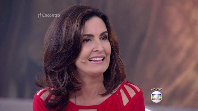 """Fátima Bernardes se pronuncia após polêmica sobre enquete do """"Encontro""""   Fonte: http://www.otvfoco.com.br/fatima-bernardes-se-pronuncia-apos-enquete-polemica-no-encontro/#ixzz4QlxXbbHo"""