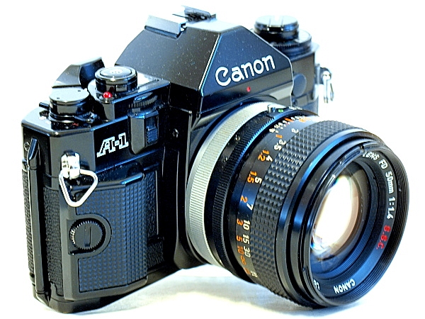 Canon A-1, Right front