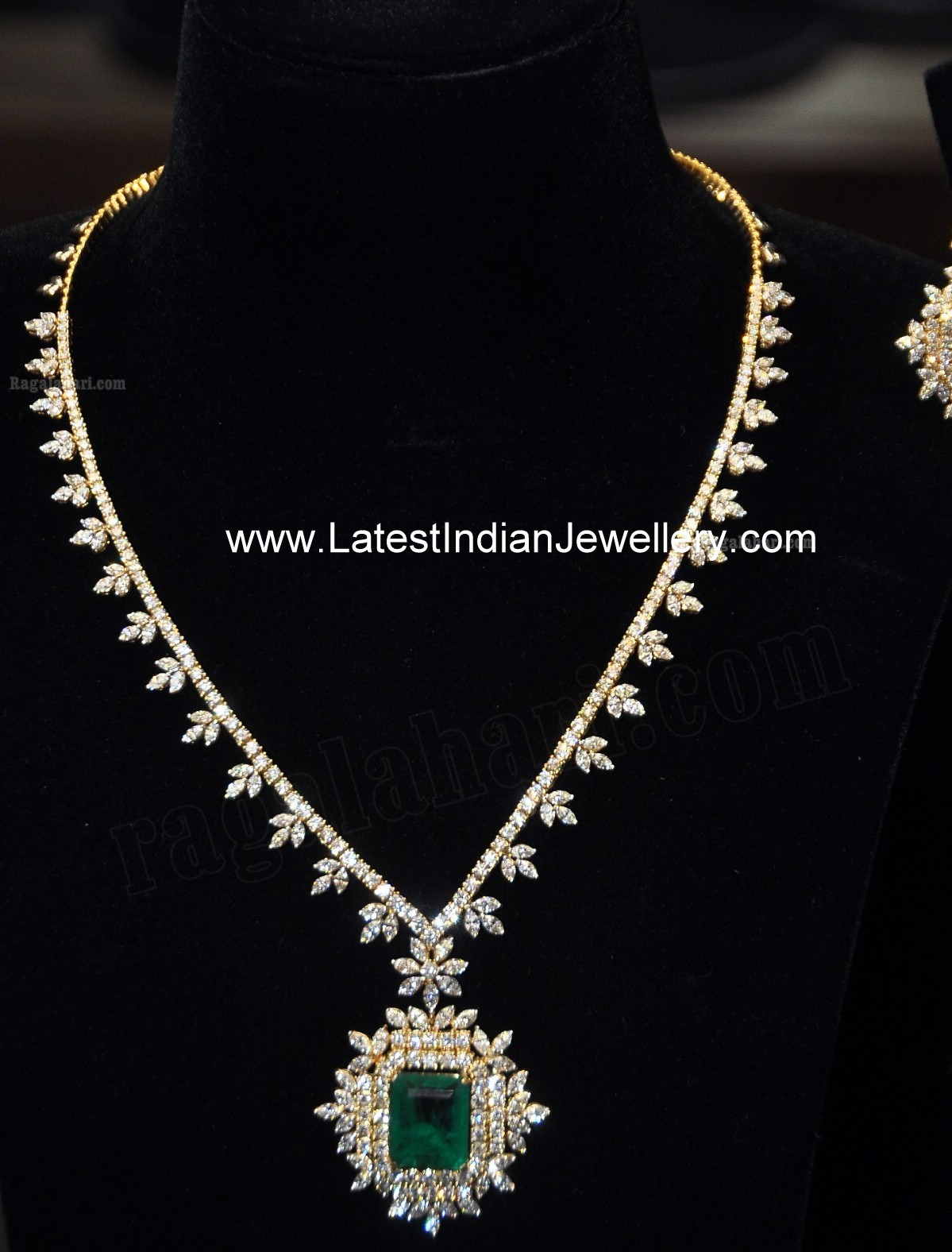 Lovely Designer Indian Diamond Necklace Designs From
