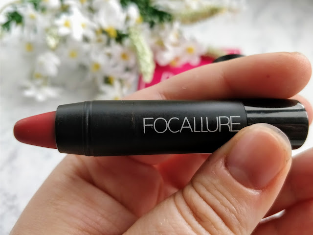 Foccallure Matte Lipstick in Cardinal