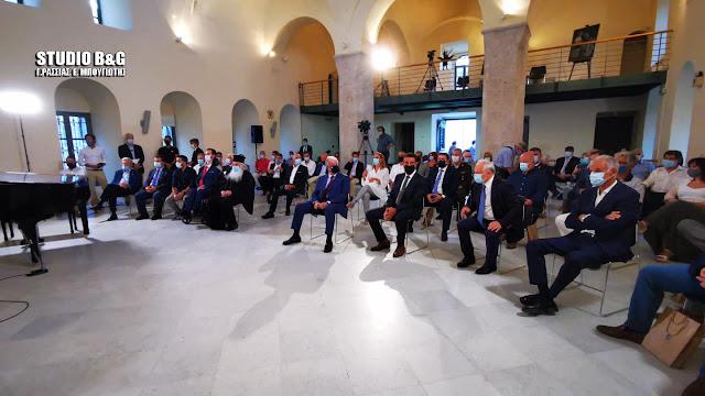 Εγκαινιάσθηκε στο Ναύπλιο η έκθεση «Βουλή των Ελλήνων – Σταθμοί μίας διαδρομής σχεδόν διακοσίων ετών»