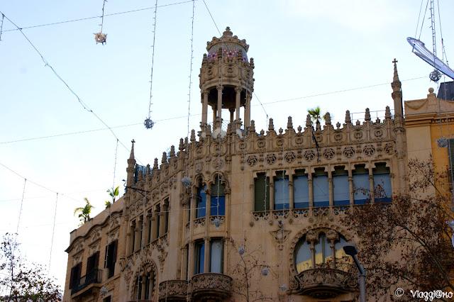 Casa Lleo Morera di Domenech i Montaner nel quartiere Example