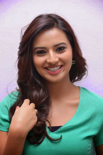 Isha Chawla  IMAGES, GIF, ANIMATED GIF, WALLPAPER, STICKER FOR WHATSAPP & FACEBOOK