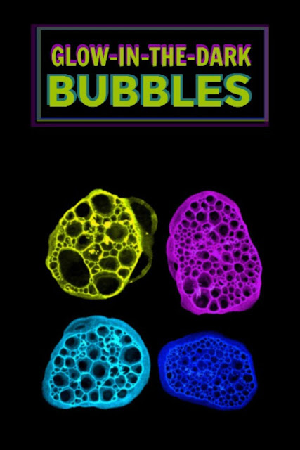 PLAY RECIPE FOR KIDD: Make glow-in-the-dark bubbles! #bubbles #bubblesrecipe #playrecipesforkids #glowinthedarkbubbles #bubblerecipe #bubblerecipehomemade #bubblerecipesforkids