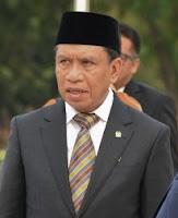 Beliau merupakan seorang pengusaha dan politikus berdarah Gorontalo Profil Zainudin Amali - Menteri Pemuda dan Olahraga Indonesia 13
