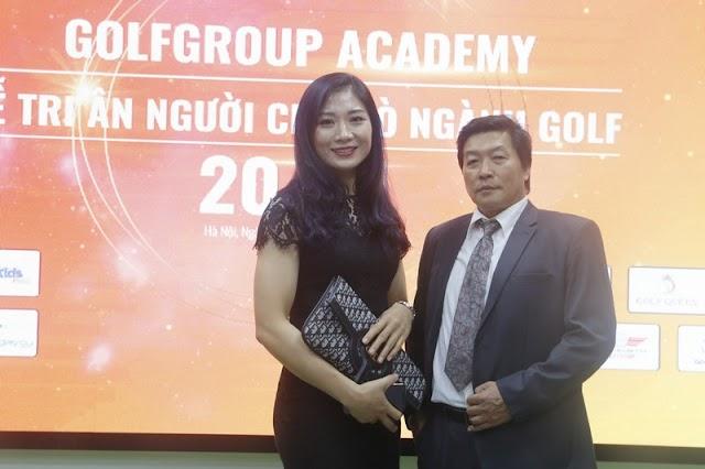 HLV phó Phạm Thị Yến chuyển qua huấn luyện môn...Golf?
