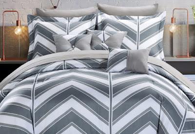 Motif tempat tidur garis segitiga
