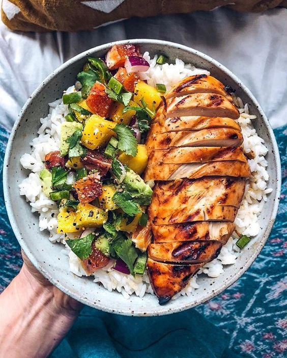 Mango BBQ Chicken with Mango Salsa and Rice #recipes #healthymeals #food #foodporn #healthy #yummy #instafood #foodie #delicious #dinner #breakfast #dessert #lunch #vegan #cake #eatclean #homemade #diet #healthyfood #cleaneating #foodstagram