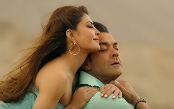 Selfish Video Song released, Selfish song Video from Race 3