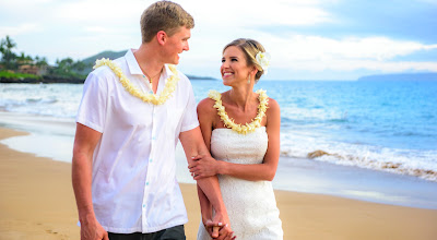 Marry Me Maui Wedding Planners offers affordable elopemant ceremonies on Maui with professional photography and plenty of Aloha!