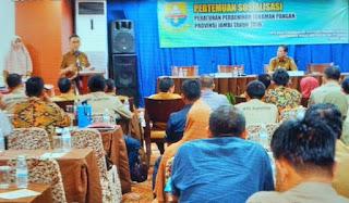 Kadis TPHP Provinsi Jambi Secara Resmi Membuka Pertemuan Sosialisasi Peraturan PerbenihanTanaman Pangan