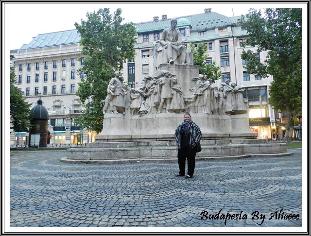 Ungaria-Budapesta-centru-istoric-statuie