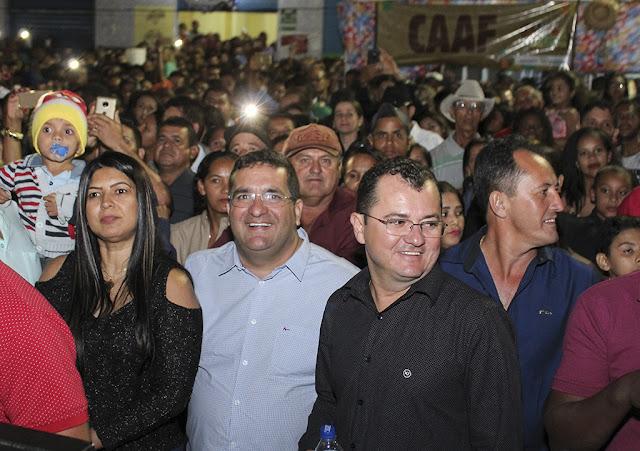 Deputado Antonio Henrique Júnior participa da feira da agricultura familiar de Correntina