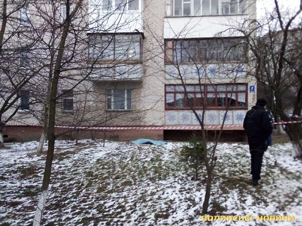 У Луцьку дві сестри випали з вікна на сьомому поверсі