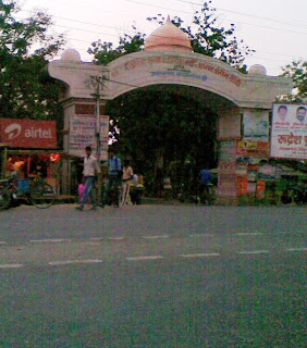 Gate to Chandrika Devi Temple at Sitapur Road at the left hand side of Sitapur Road. If you are coming from Lucknow city, just turn to left and drive through the narrow but calm road to the temple.