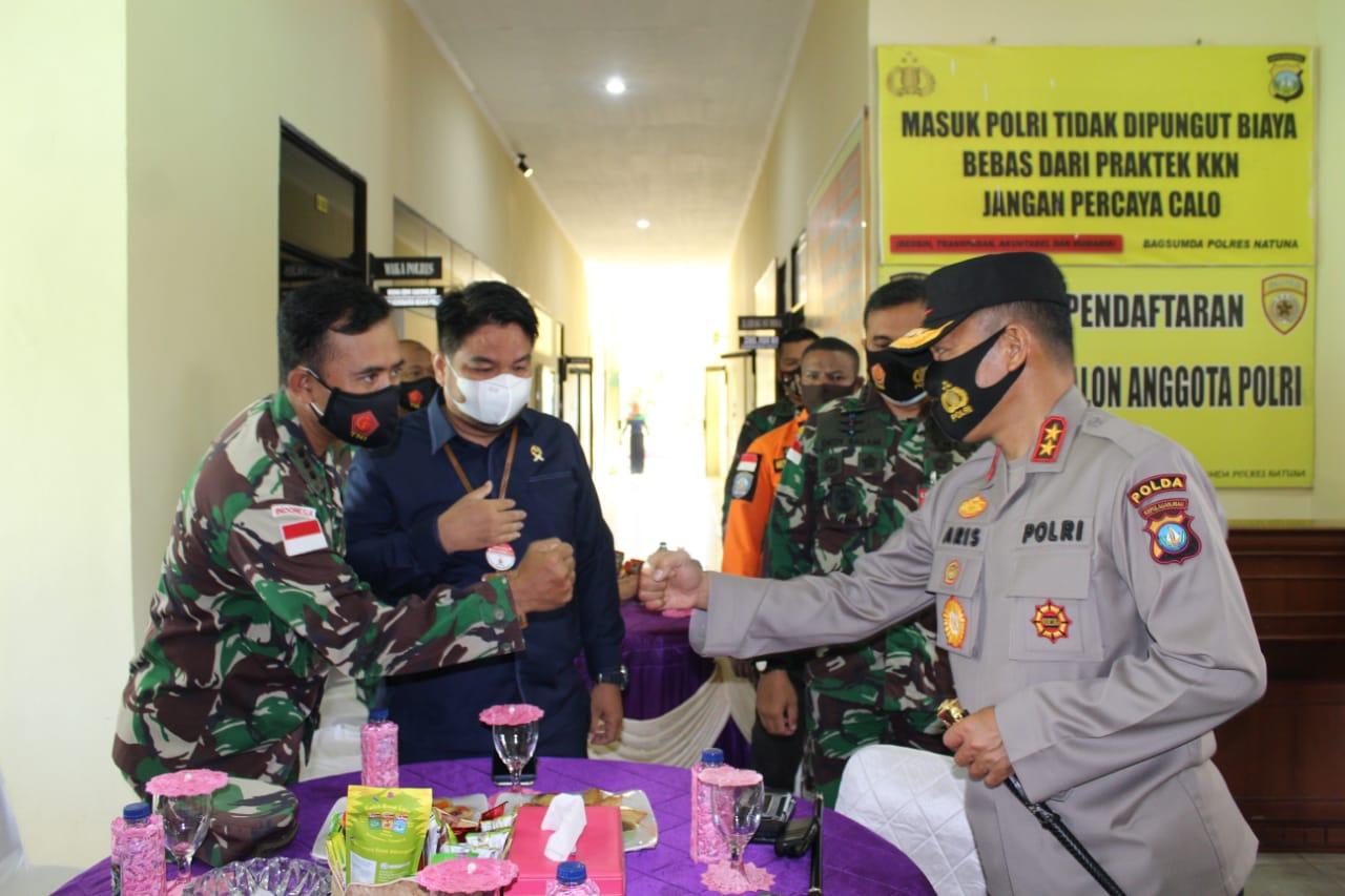 Kapolda Kepri Tinjau Pelaksanaan Vaksinasi dan Peresmian Kampung Tangguh dan Posko Karhutla di Wilayah Natuna