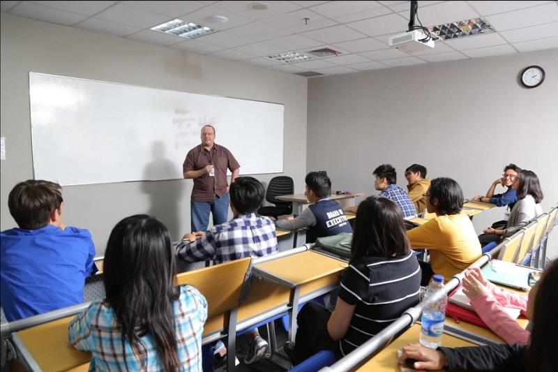 """MMemperingati Hari Pendidikan dengan """"Internship Study Experience"""" bersama Swiss German University."""